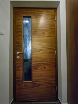 furnirana notranja vrata